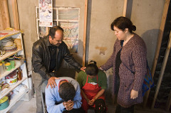 family prayer photo